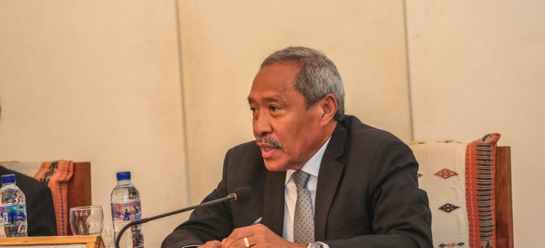 Ministru Defeza Sai Orador Ba  Debate Impaktu Covid-19 Iha TL
